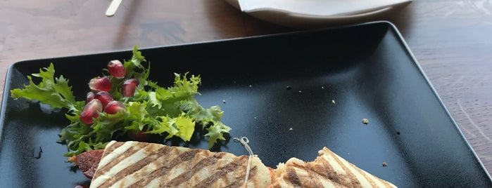 Café Kopenhag is one of Locais curtidos por Cydney.