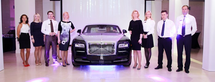Rolls-Royce Motor Cars St.Petersburg is one of Lugares guardados de Jully Gates.