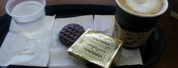 Havanna is one of Locais curtidos por Maru.