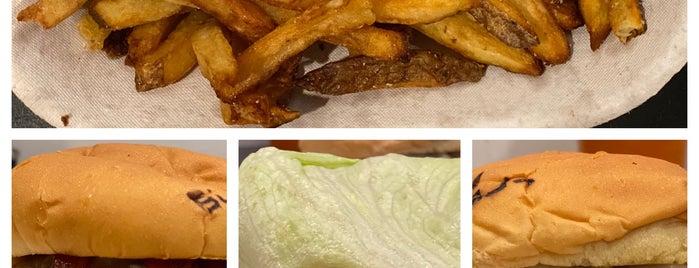 BurgerFi is one of Matt'ın Beğendiği Mekanlar.