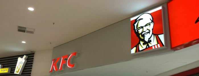KFC is one of Locais curtidos por Eric.