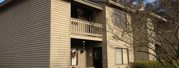 Bridgewood Apartments is one of สถานที่ที่ Olivia ถูกใจ.