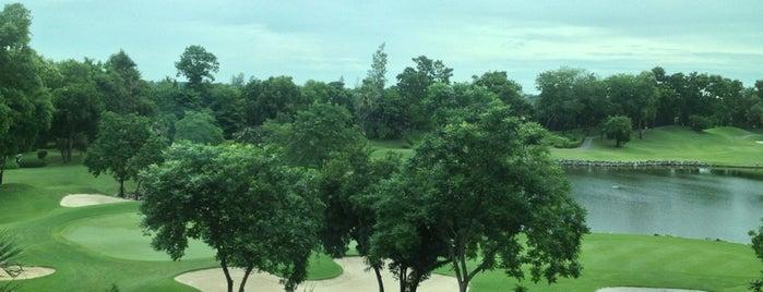 Alpine Golf Club is one of Lieux qui ont plu à Pravit.
