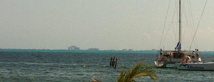 La Casa del Tikinxic is one of Cancun.