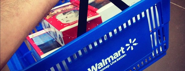 Walmart is one of Locais curtidos por Ann.