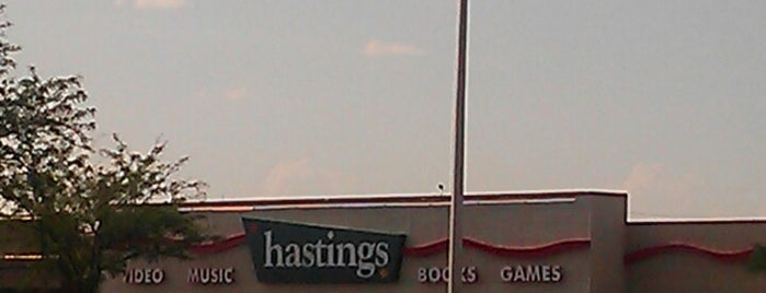 Hastings is one of Tempat yang Disukai Estevan.