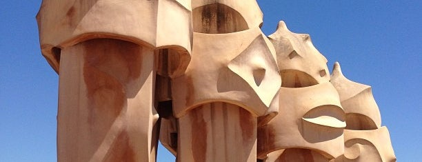La Pedrera (Casa Milà) is one of Barcelona Touristic places Done.