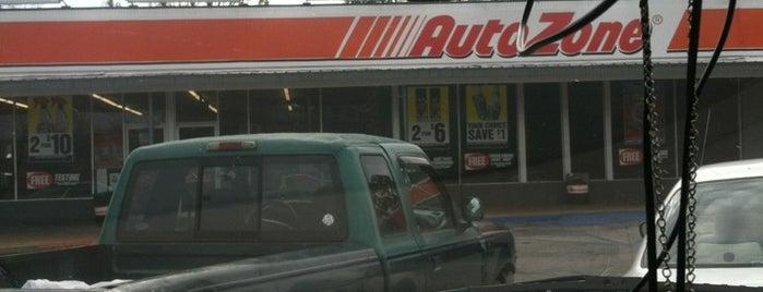 AutoZone Auto Parts is one of สถานที่ที่ Daron ถูกใจ.