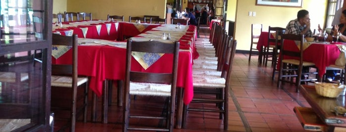 Restaurante Hatoviejo is one of Turismo Colombia.
