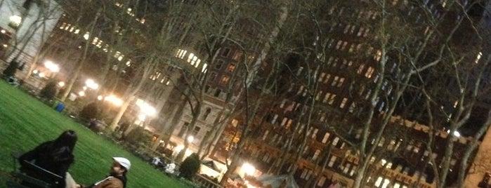 Bryant Park is one of Nova York.