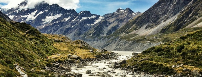 Hooker Valley Track is one of Mattさんの保存済みスポット.
