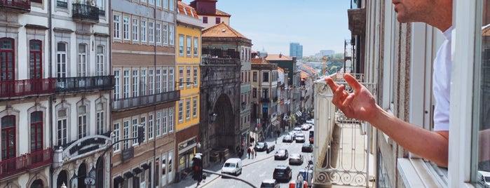 Rua Mouzinho da Silveira is one of Lugares favoritos de Vincent.