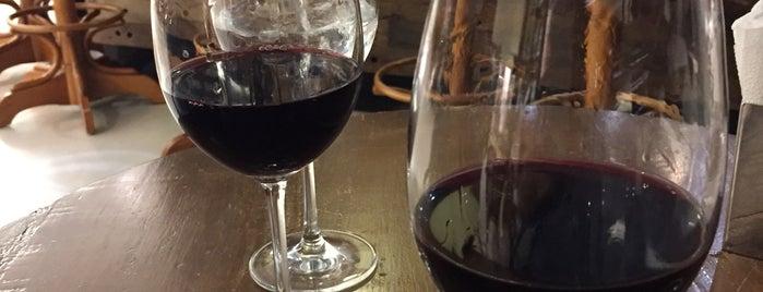 Wine Bar - Casa dos Frios is one of Tempat yang Disukai Maria Bernadete.