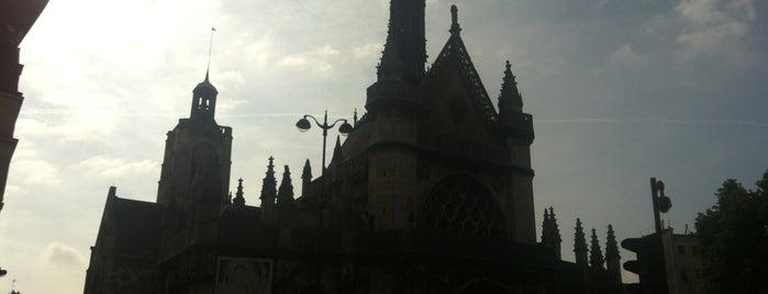 Paris Religiosa