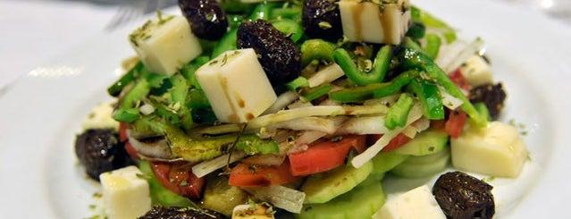 Mykonos is one of Restaurantes en Fondo de Olla.