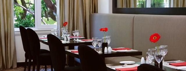 NH Crillon Hotel is one of Restaurantes en Fondo de Olla.
