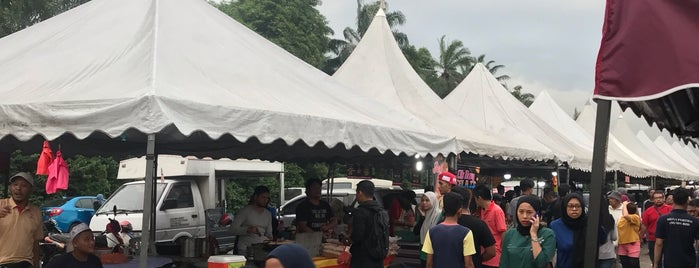 Pasar Malam Jalan Kebun is one of g.