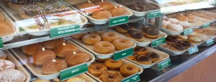 Krispy Kreme is one of Lugares guardados de Noah.