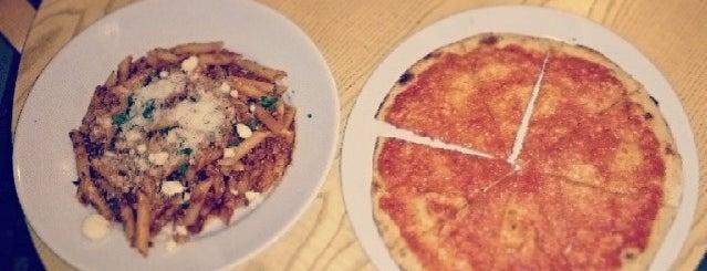 La Nonna Italian Restaurant is one of Locais curtidos por German.