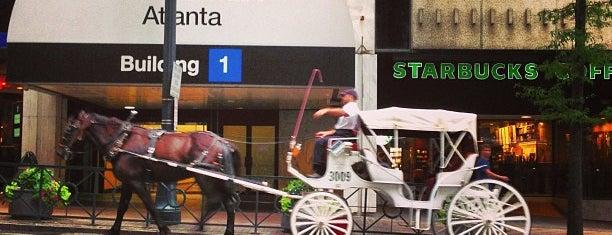 Starbucks is one of Lieux qui ont plu à FA.