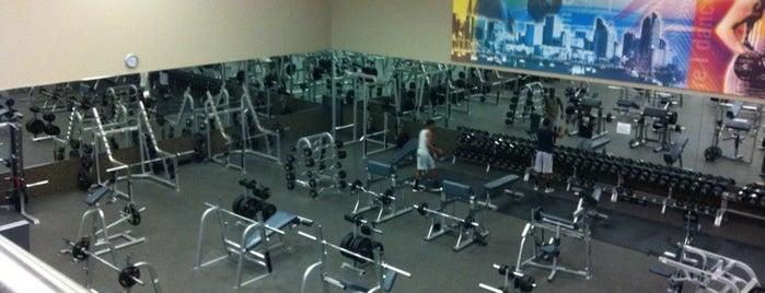 LA Fitness is one of Posti che sono piaciuti a Jamar.