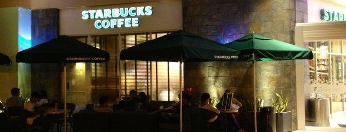 Starbucks is one of Posti che sono piaciuti a Orlando.