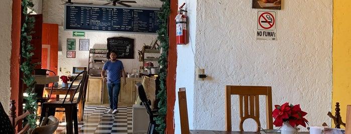 Luan Cafetería is one of Locais curtidos por Olaf.