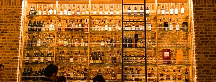 Tokyo Whisky Library is one of Cool Tokyo Bars.