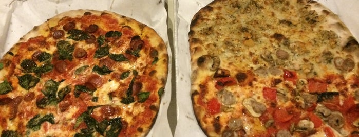 Frank Pepe Pizzeria Napoletana is one of One Bite, Everybody Knows The Rules 2.