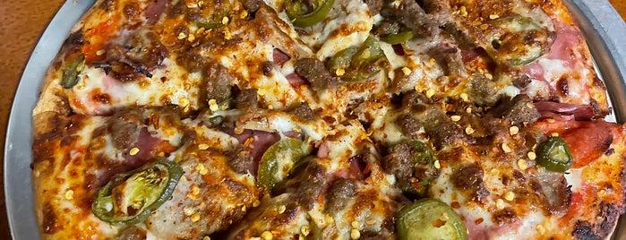 Angelina's Pizzeria is one of Tempat yang Disukai Alden.