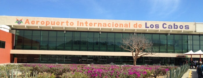 Aeropuerto Internacional de Los Cabos (SJD) is one of Lugares favoritos de Ana.