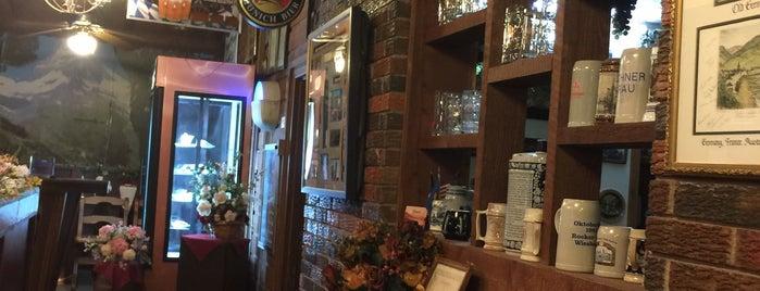 Turek's Tavern is one of Lieux qui ont plu à Suzanne E.