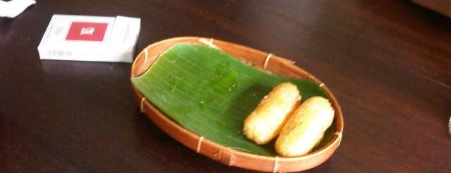 Warung Tekko is one of Medan culinary spot.