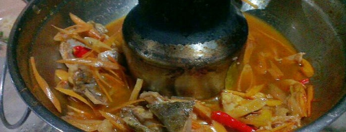Phong Phang Seafood is one of Phuket.