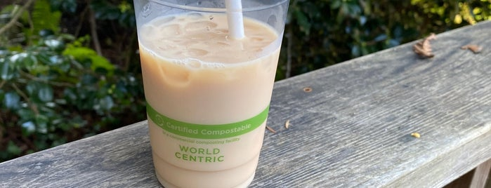 Gold Coast Coffee & Bakery is one of Russian River.