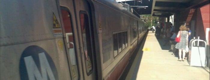 Metro North - Cos Cob Train Station is one of New Haven Line & Northeast Corridor (Metro-North).