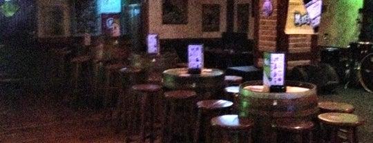 Mike's Irish Bar is one of Posti salvati di George.