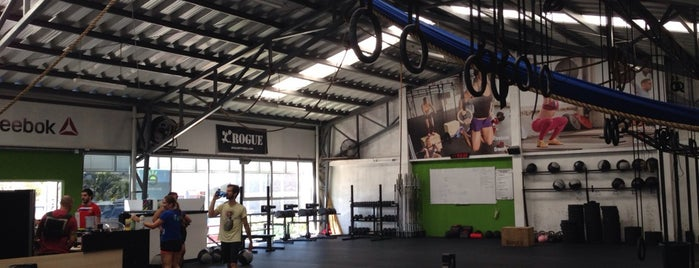 CrossFit 506 is one of Gimnasios.