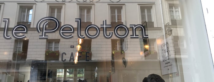 Le Peloton Café is one of Paris.