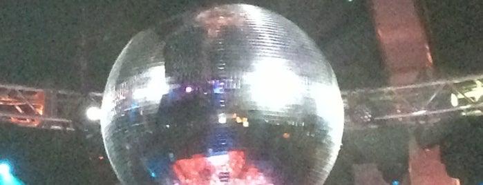 Boogie Nights is one of สถานที่ที่ Nina ถูกใจ.