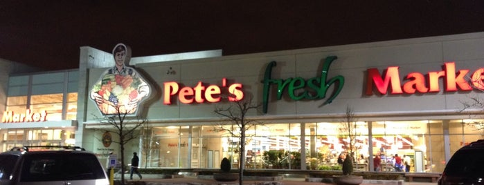 Pete's Fresh Market is one of Locais curtidos por Vanessa.