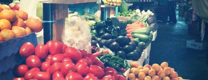 Mercado de la Progreso is one of Tempat yang Disukai Osiris.