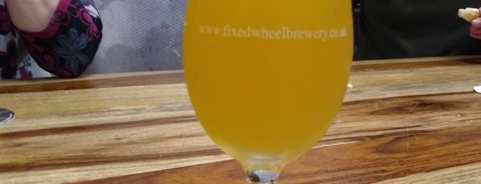 Fixed Wheel Brewery is one of Posti che sono piaciuti a Carl.