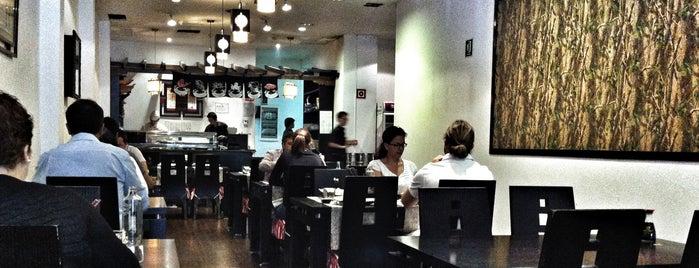 Shintori & Sushi Bar is one of Locais curtidos por Raúl.