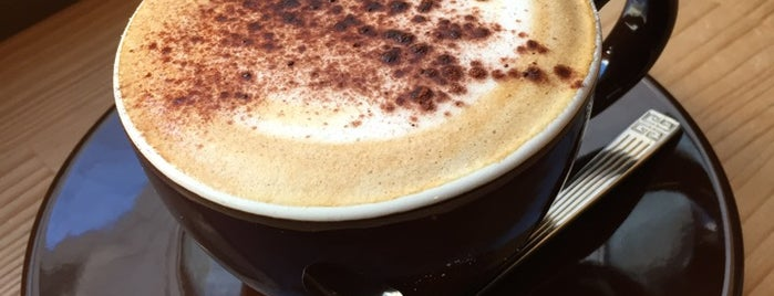 Espresso Bar PLUS is one of yåsü's Saved Places.
