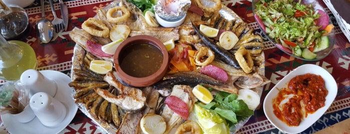 Kalamar Et & Balık Restaurantı is one of Lieux qui ont plu à Ömer.