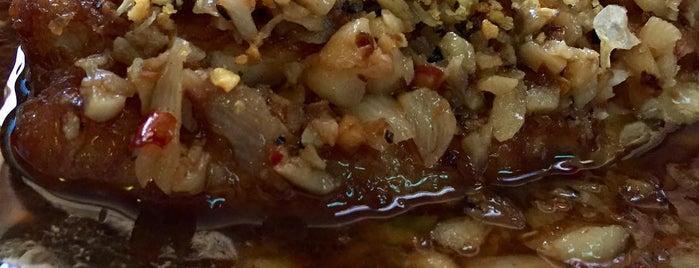 Mee Mee's Authentic Thai Cuisine is one of Orte, die Matt gefallen.