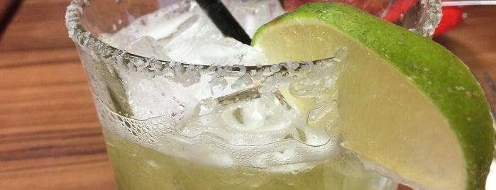 La Mexicana Restaurant is one of Tempat yang Disukai Yvonne.