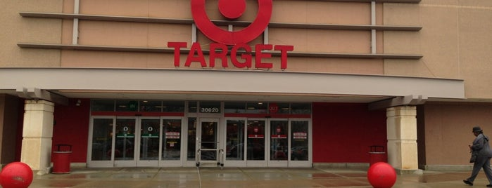 Target is one of Lieux sauvegardés par Adriana.