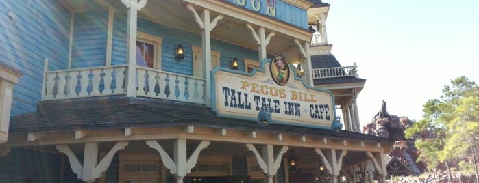 Pecos Bill Tall Tale Inn & Café is one of Tempat yang Disukai Leonda.